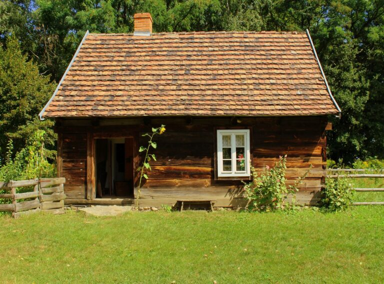 house-3591631_1920